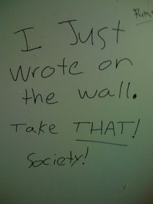funny-bathroom-graffiti